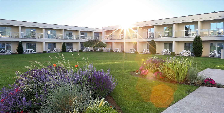 Exterior view - Best Western Plus Kelowna Hotel & Suites