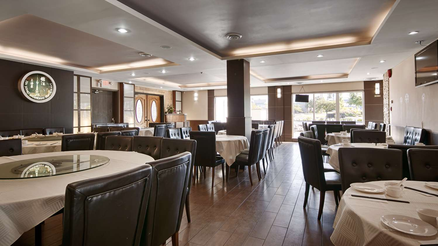 Restaurant - Best Western Plus Burnaby Hotel & Conference Centre