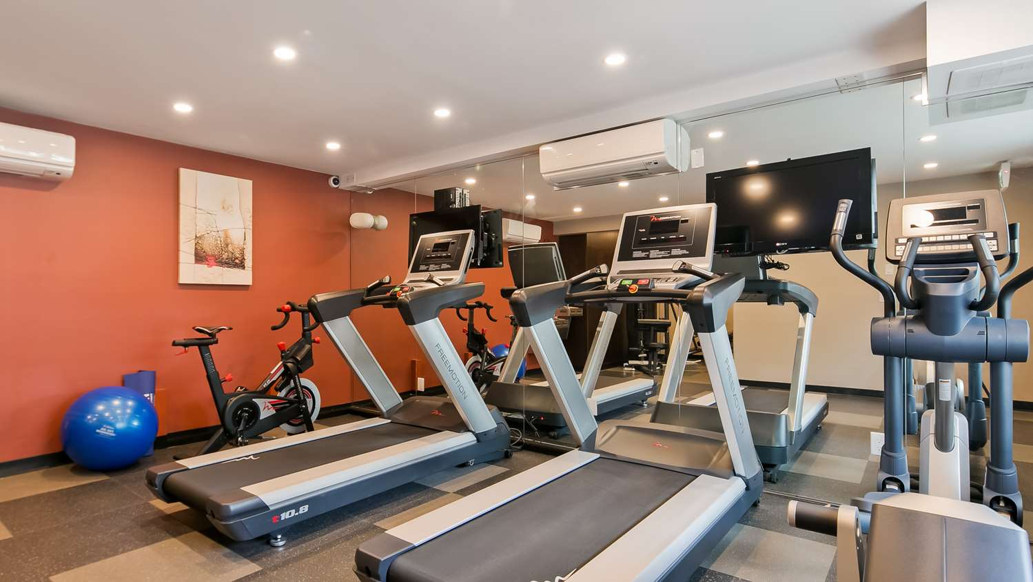 Fitness/ Exercise Room - Best Western Plus Burnaby Hotel & Conference Centre