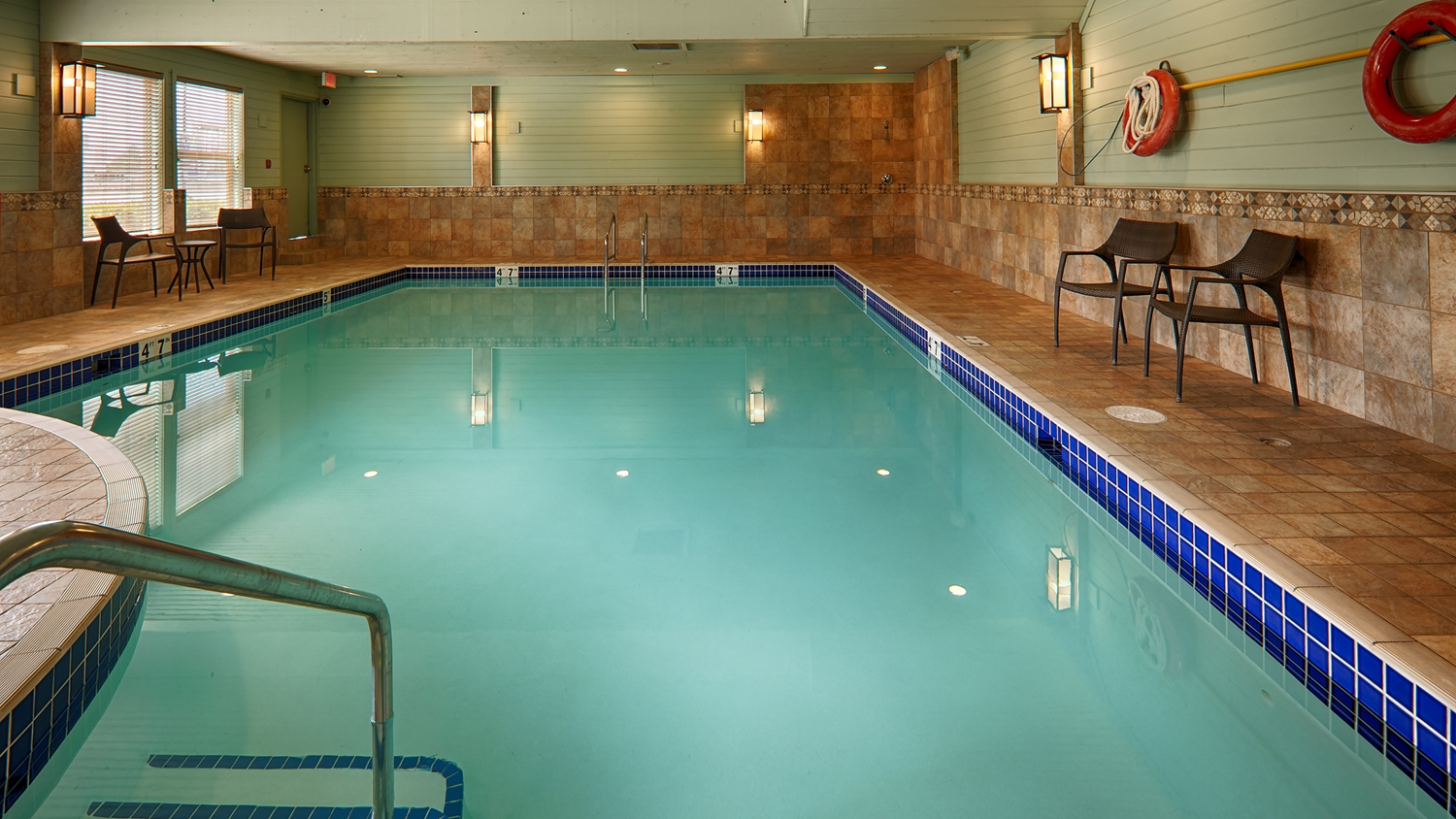 Pool - Best Western Plus Langley Inn
