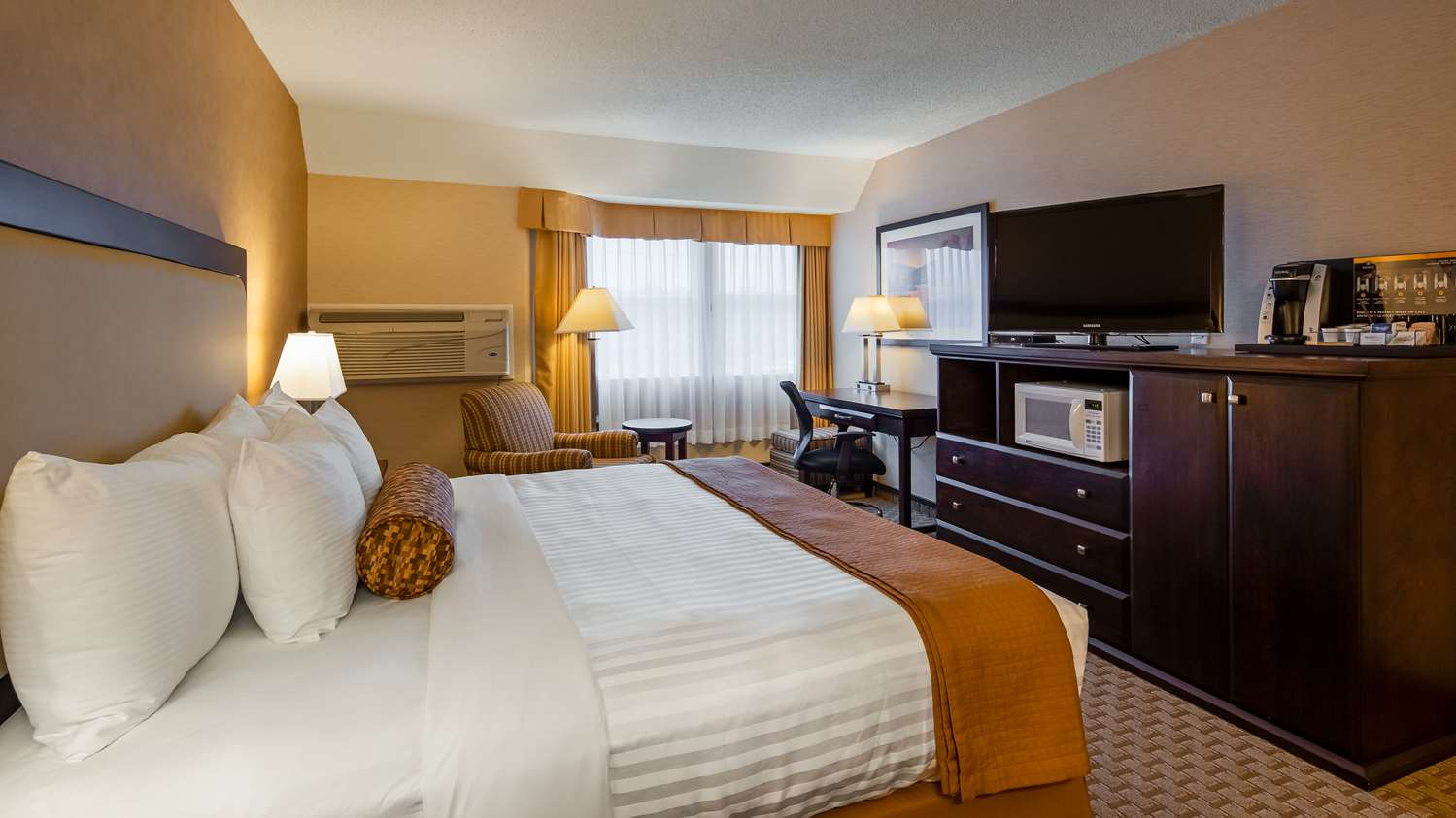 Room - Best Western Plus Emerald Isle Hotel Sidney