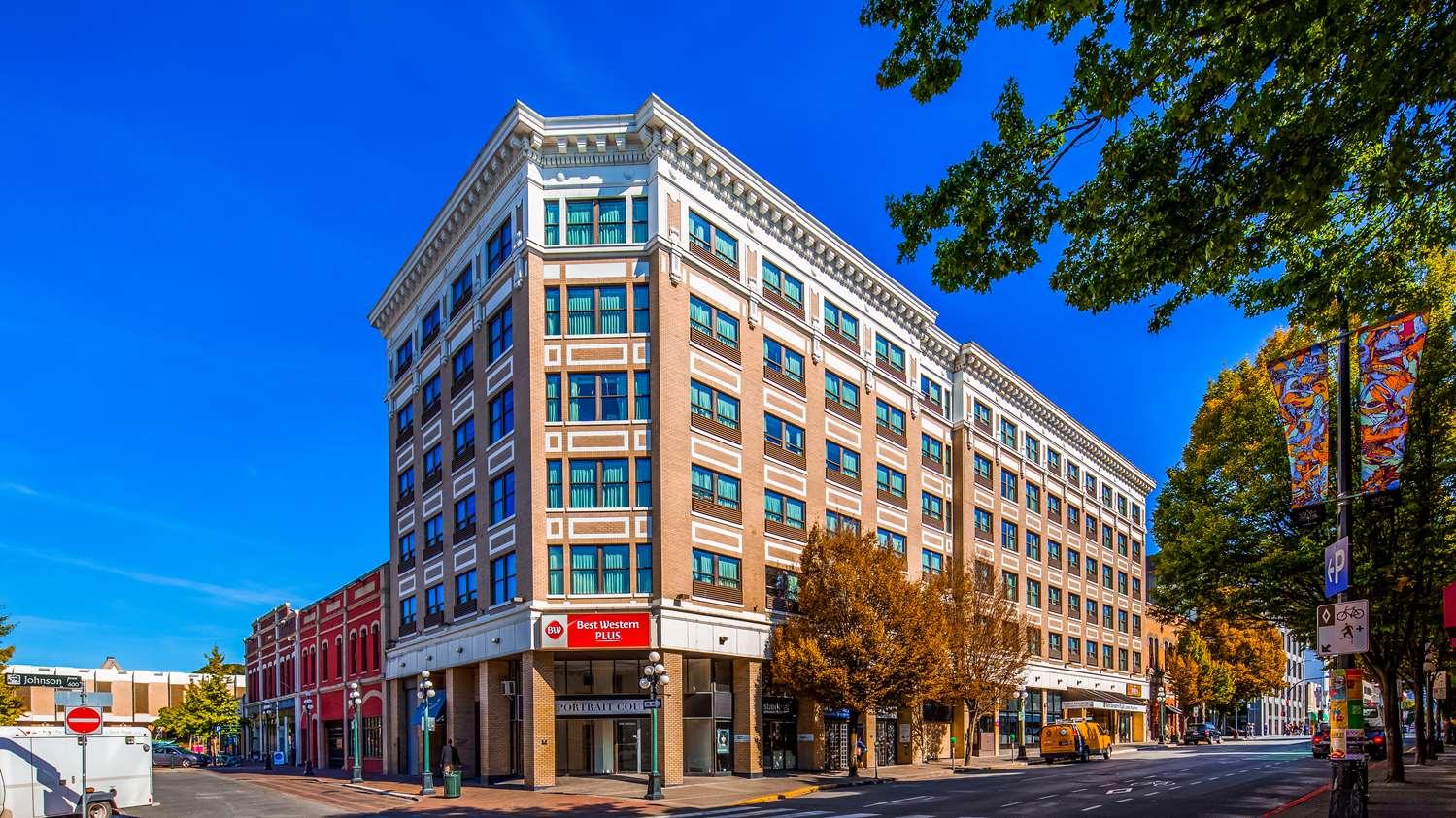 Exterior view - Best Western Plus Carlton Plaza Hotel Victoria
