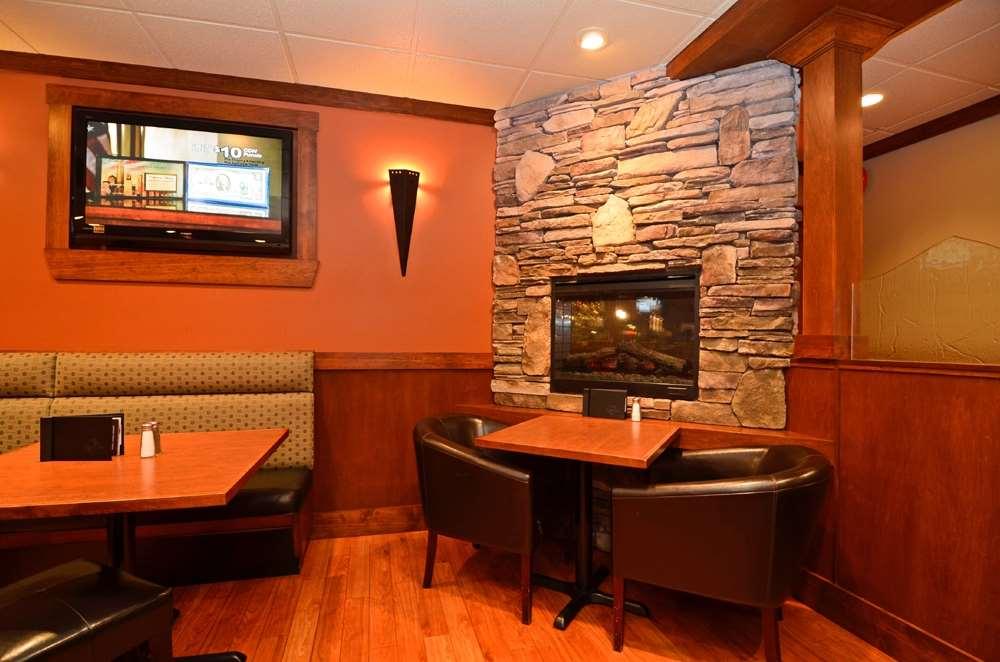 Bar - Best Western Plus Country Meadows Inn Aldergrove