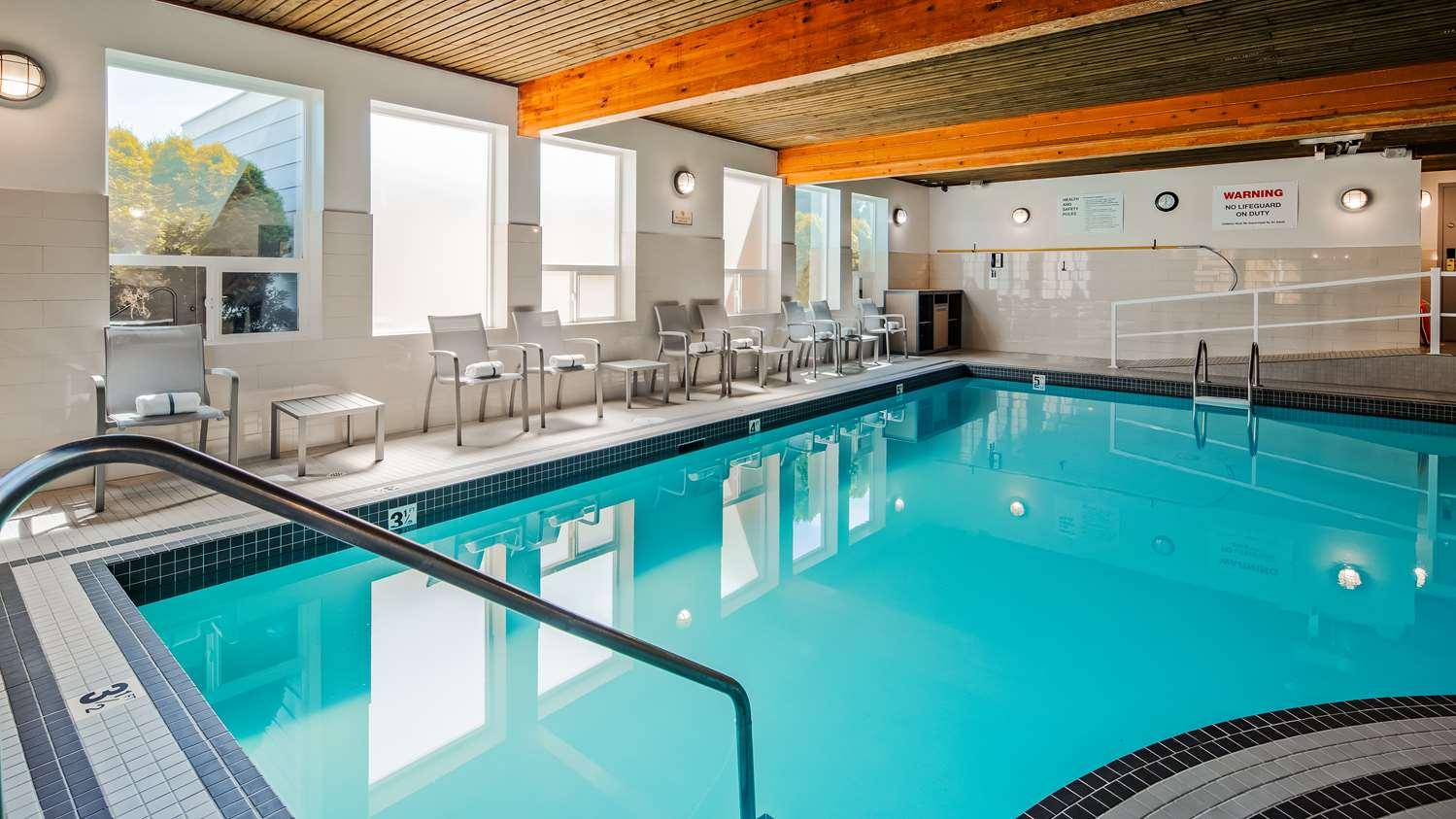 Pool - Best Western Plus Country Meadows Inn Aldergrove