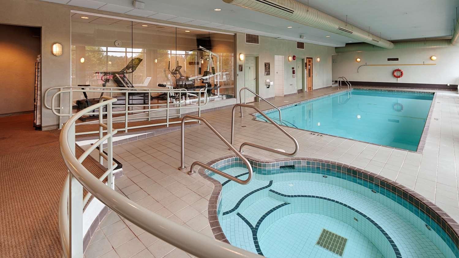 Pool - Best Western Plus Mission City Lodge