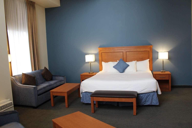 Suite - Best Western Plus Hotel Uptown Vancouver