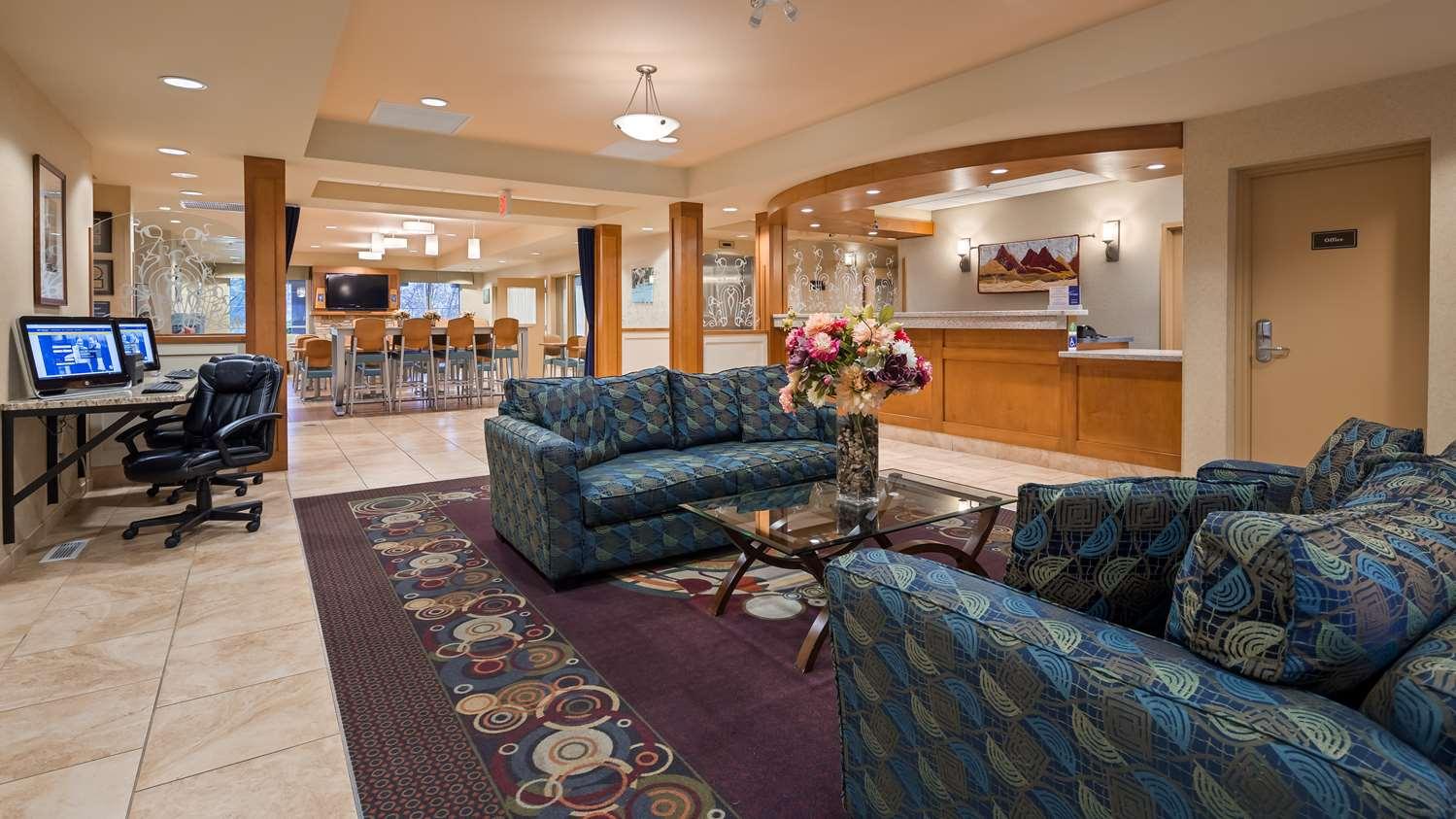 Lobby - Best Western Plus Chemainus Inn