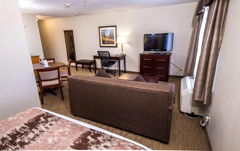 Suite - Best Western Plus Pembina Inn & Suites Winnipeg