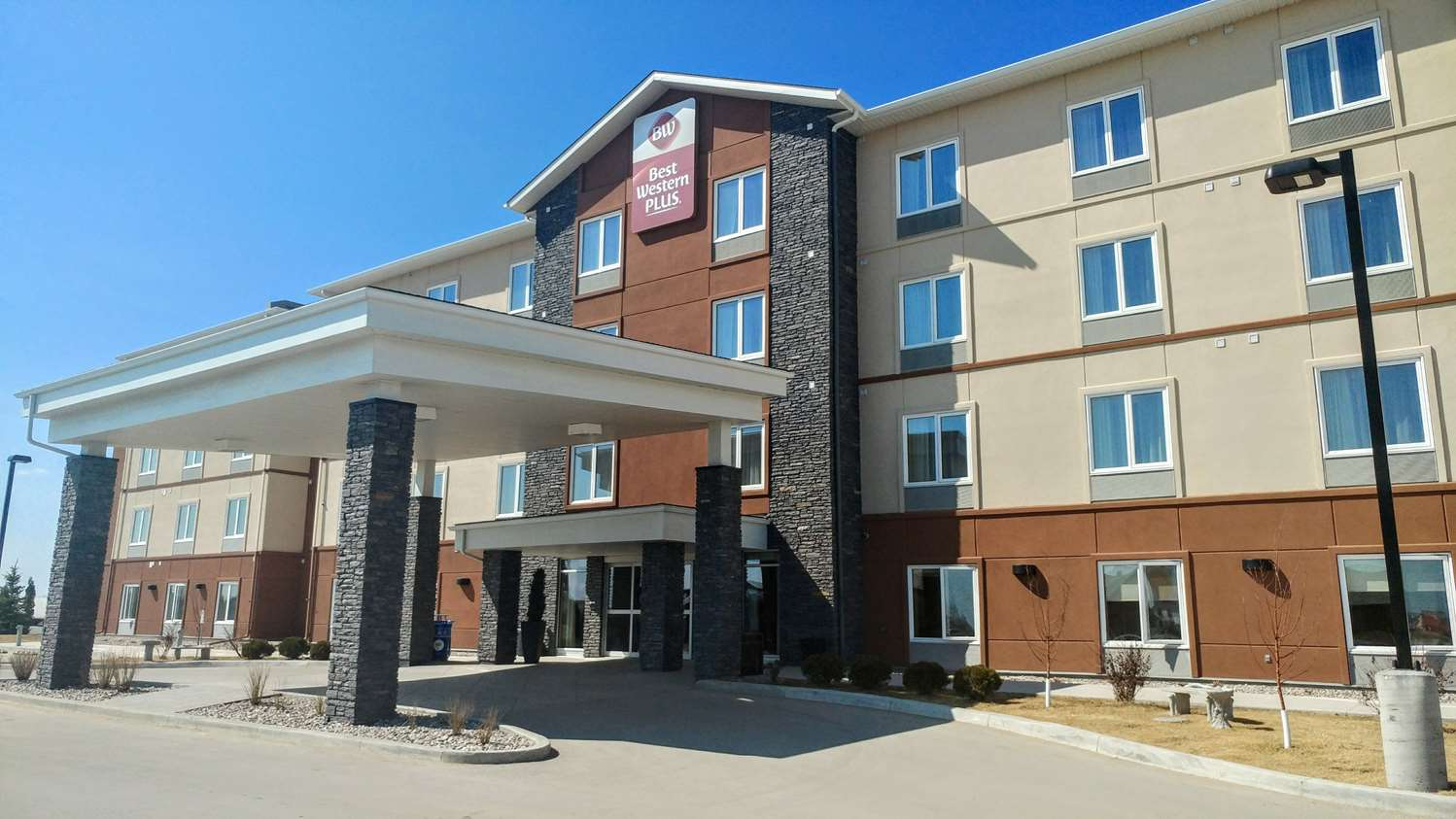 Exterior view - Best Western Plus Winnipeg West Inn Headingley