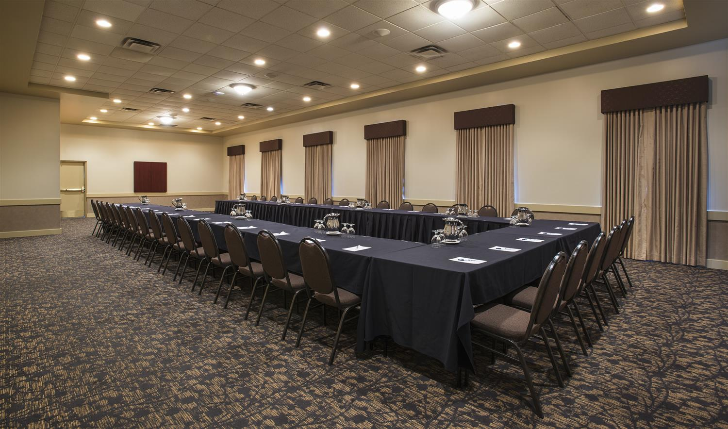 Meeting Facilities - Best Western Plus Airport Hotel Winnipeg