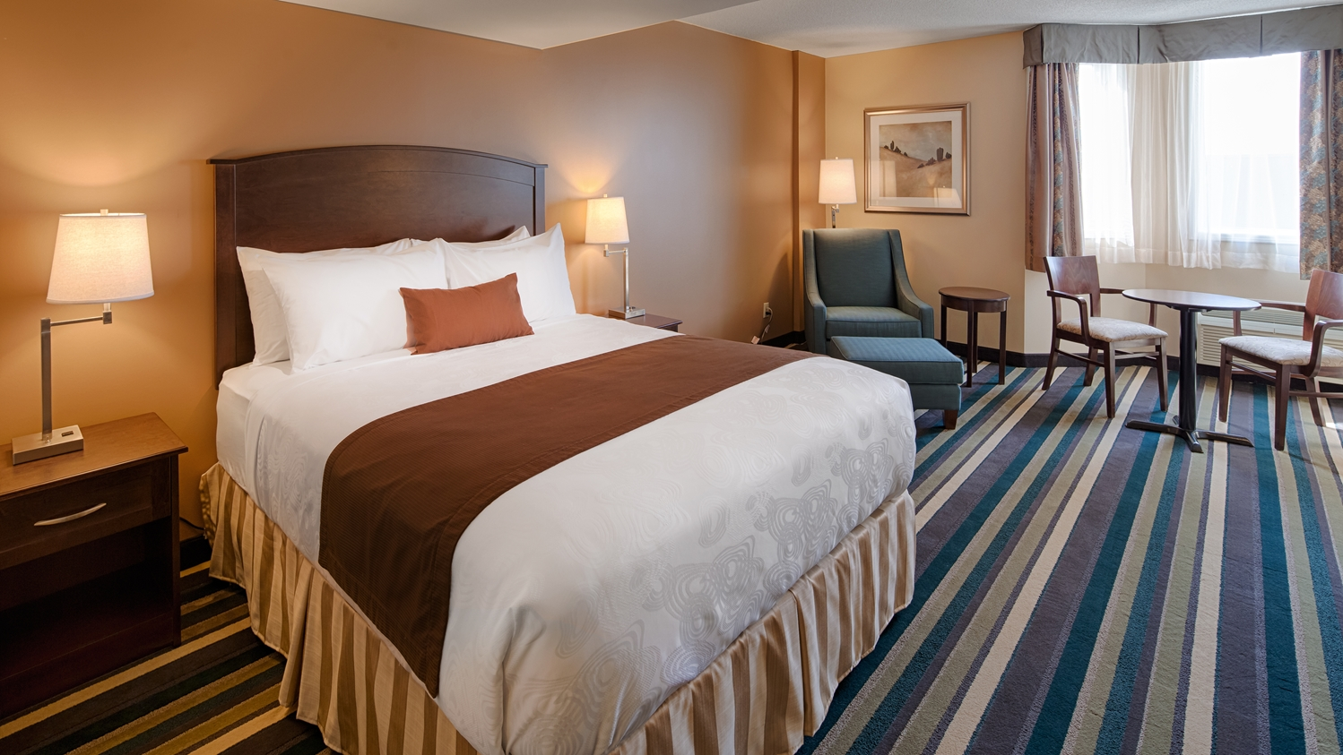 Room - Best Western Plus Airport Hotel Winnipeg