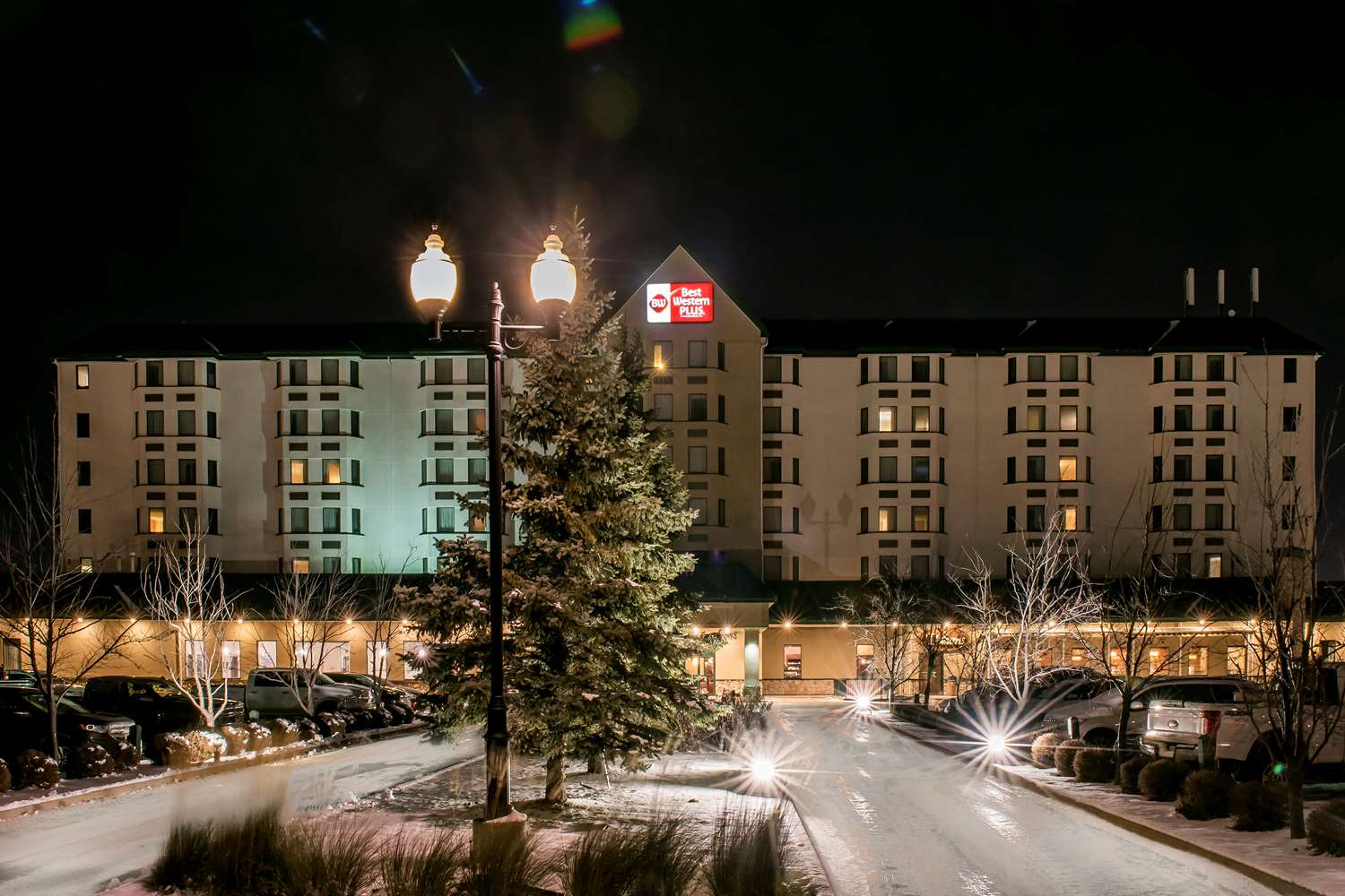 Exterior view - Best Western Plus Airport Hotel Winnipeg