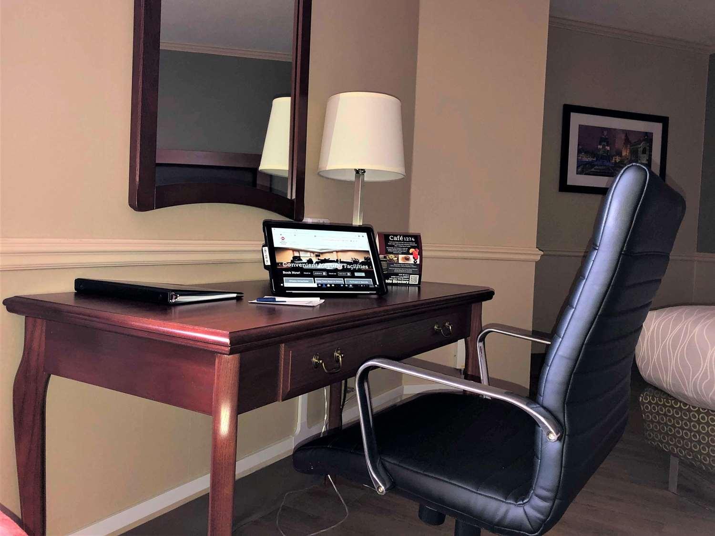 Room - Best Western Plus Ottawa City Centre