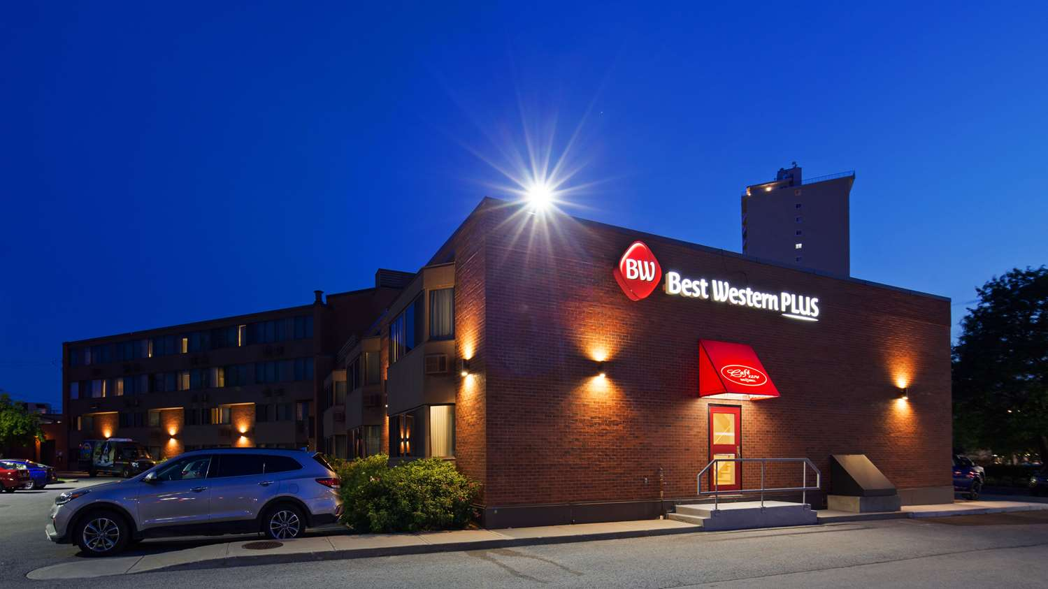 Exterior view - Best Western Plus Ottawa City Centre