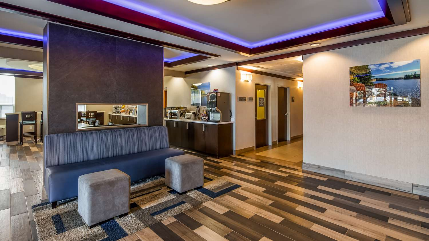 Lobby - Best Western Plus Barrie Hotel