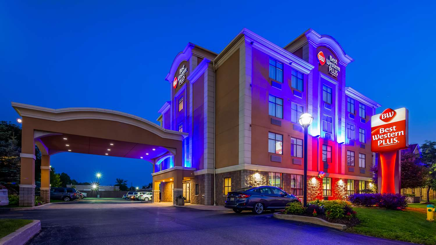 Exterior view - Best Western Plus Barrie Hotel