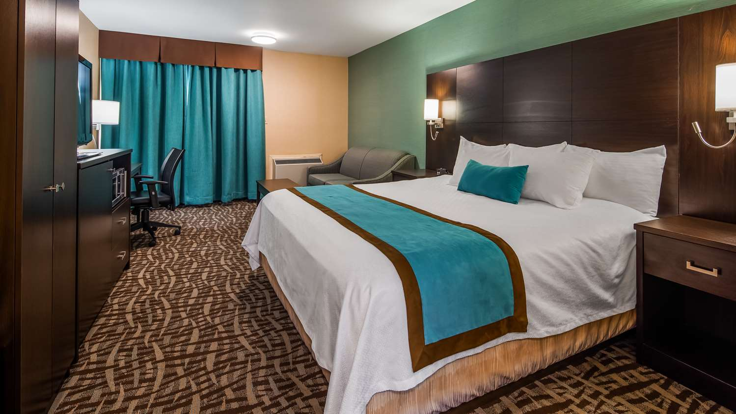 Room - Best Western Plus Barrie Hotel
