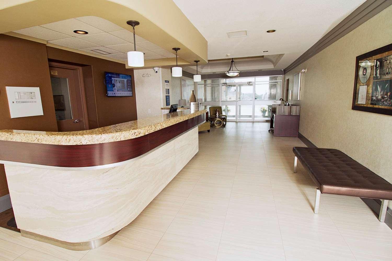 Lobby - Best Western Swan Castle Inn Cochrane