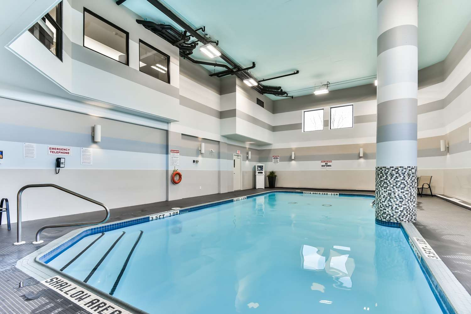 Best western plus cambridge hotel on see discounts for Hotels in cambridge with swimming pool