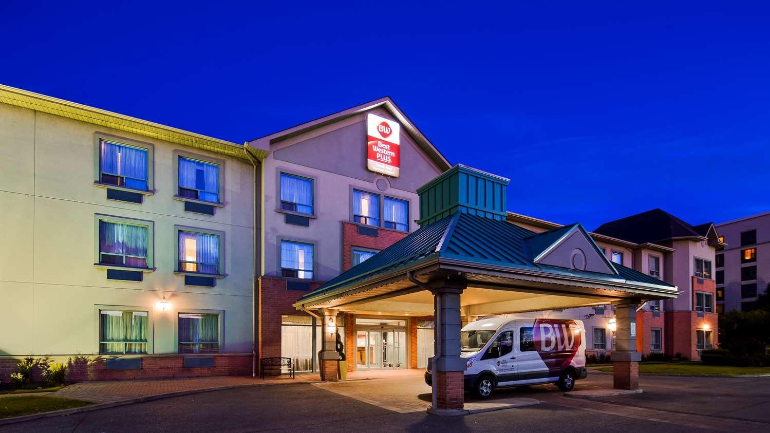 Exterior view - Best Western Plus Travel Hotel Toronto