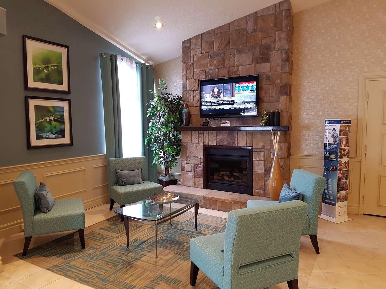 Lobby - Best Western Plus Durham Hotel & Conf Ctr Oshawa