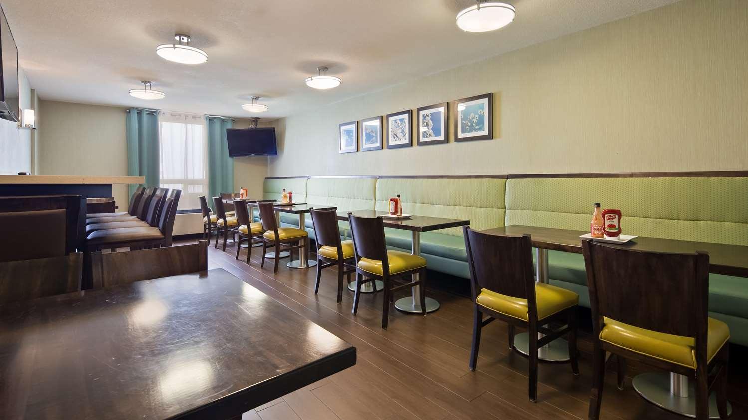 Restaurant - Best Western Plus Durham Hotel & Conf Ctr Oshawa