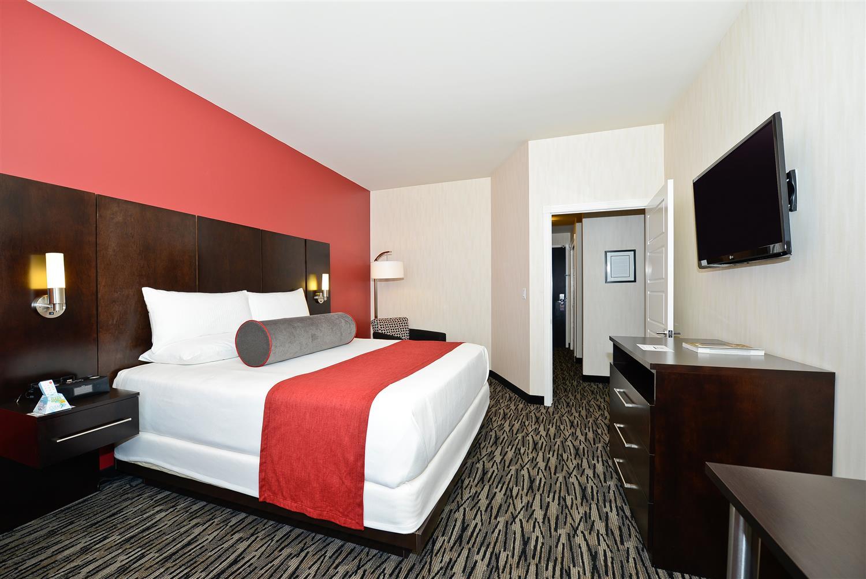 Suite - Best Western Premier C Hotel by Carmen's Hamilton
