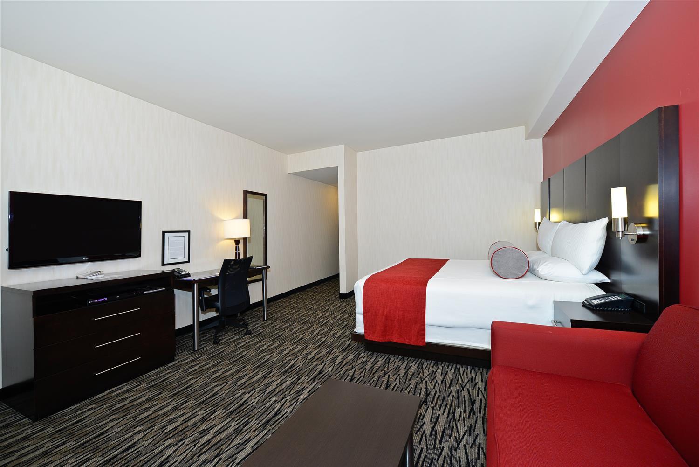 Room - Best Western Premier C Hotel by Carmen's Hamilton