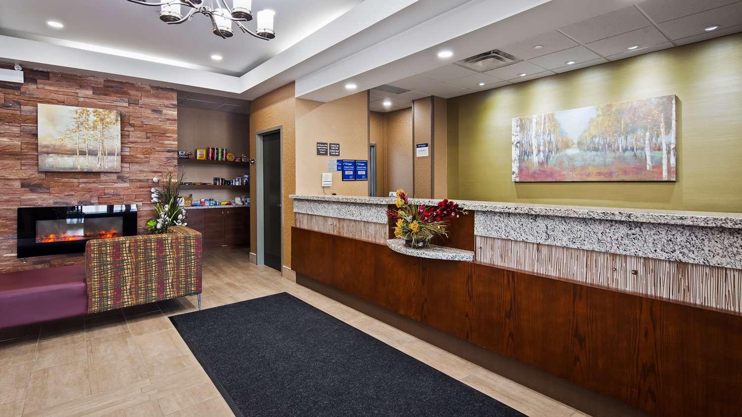 Lobby - Best Western Plus Fergus Hotel