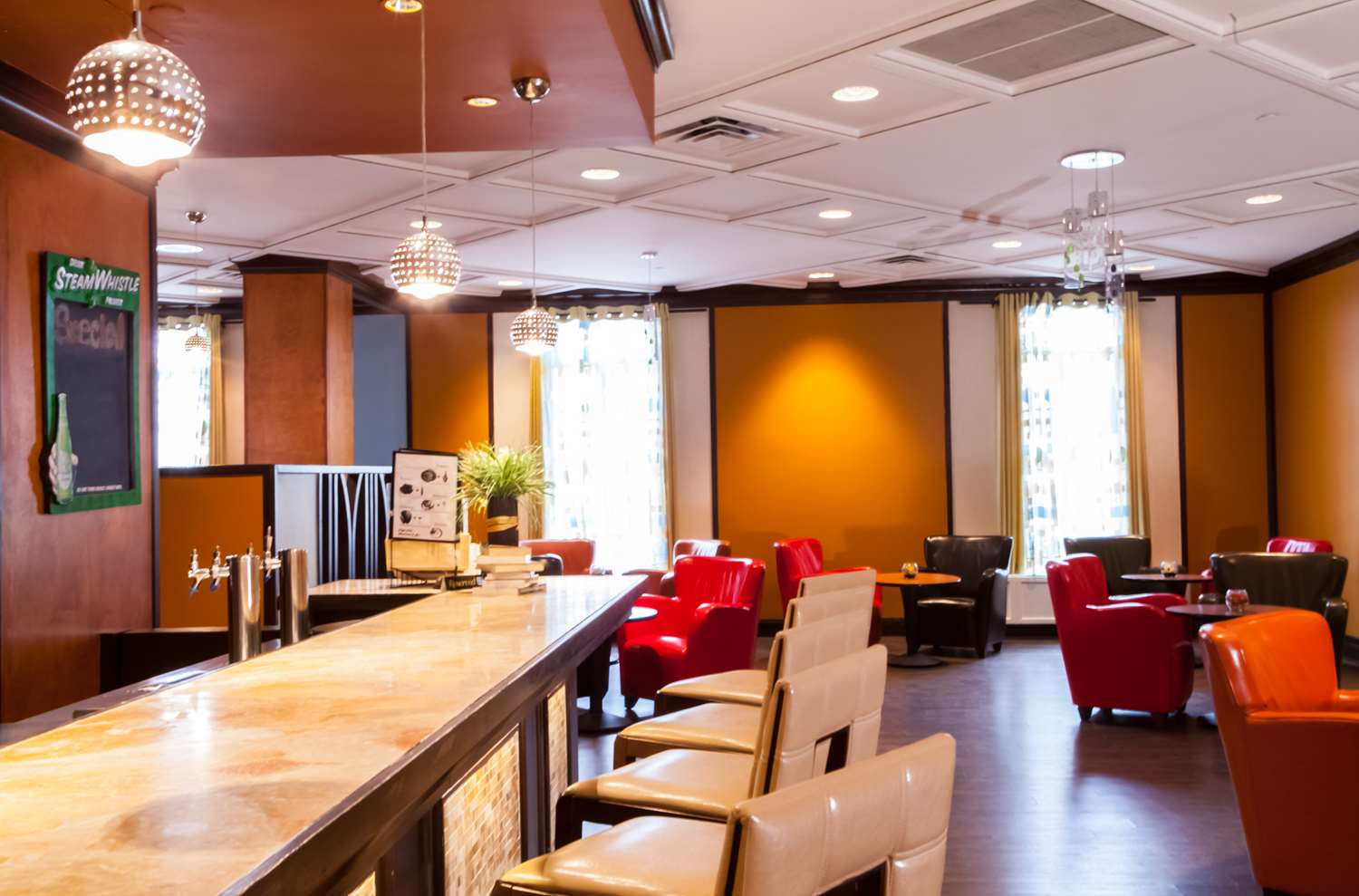 Bar - Best Western Premier Toronto Airport Carlingview Hotel