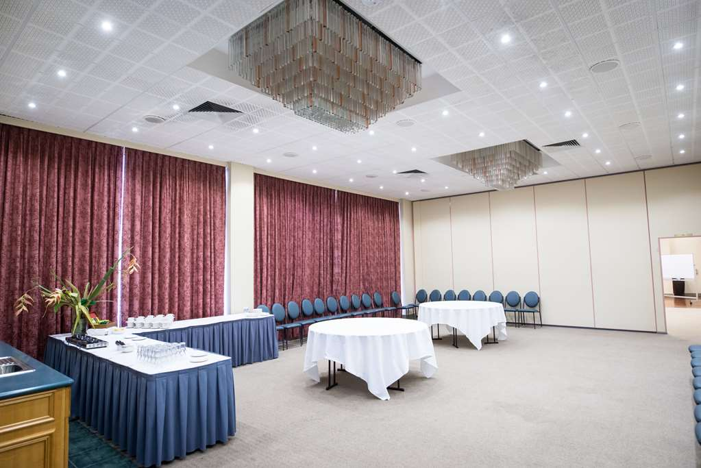Conference Tegal Room