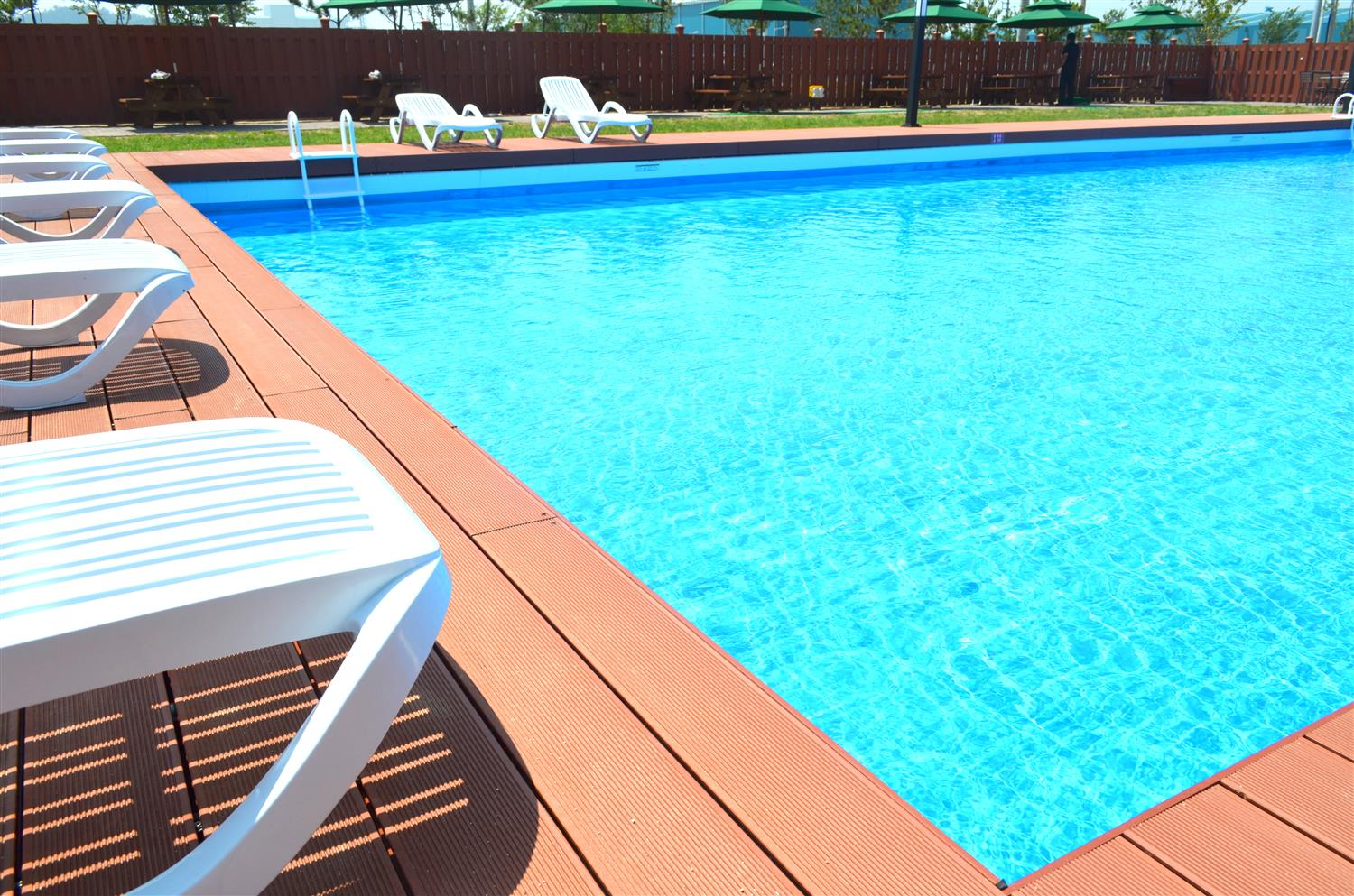 Pool : Outdoor Swimming Pool 16 of 152
