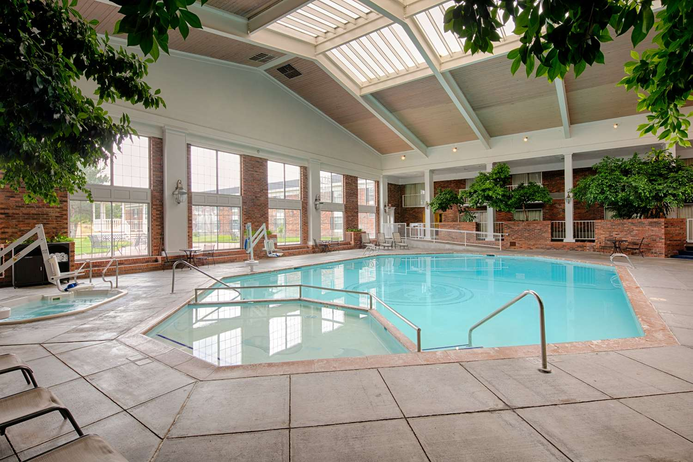 Pool - Red Lion Hotel Pocatello