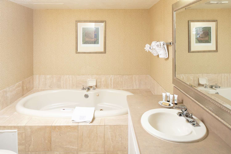 Room - Red Lion Hotel Pocatello