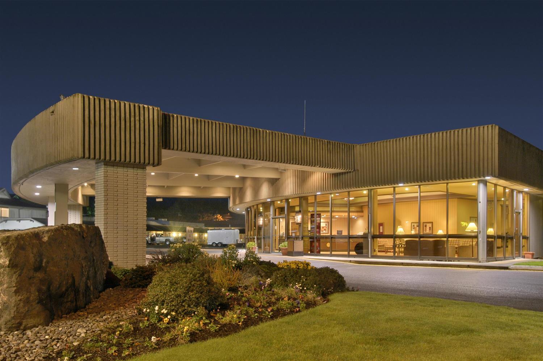 red lion hotel coos bay or see discounts. Black Bedroom Furniture Sets. Home Design Ideas