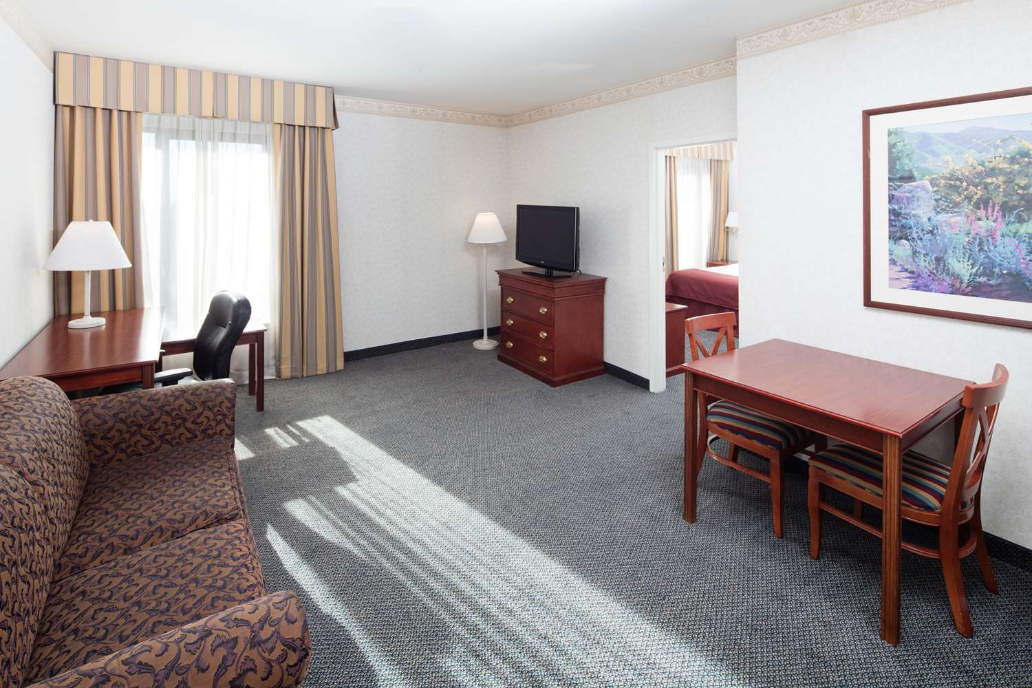 Suite - Red Lion Hotel Renton