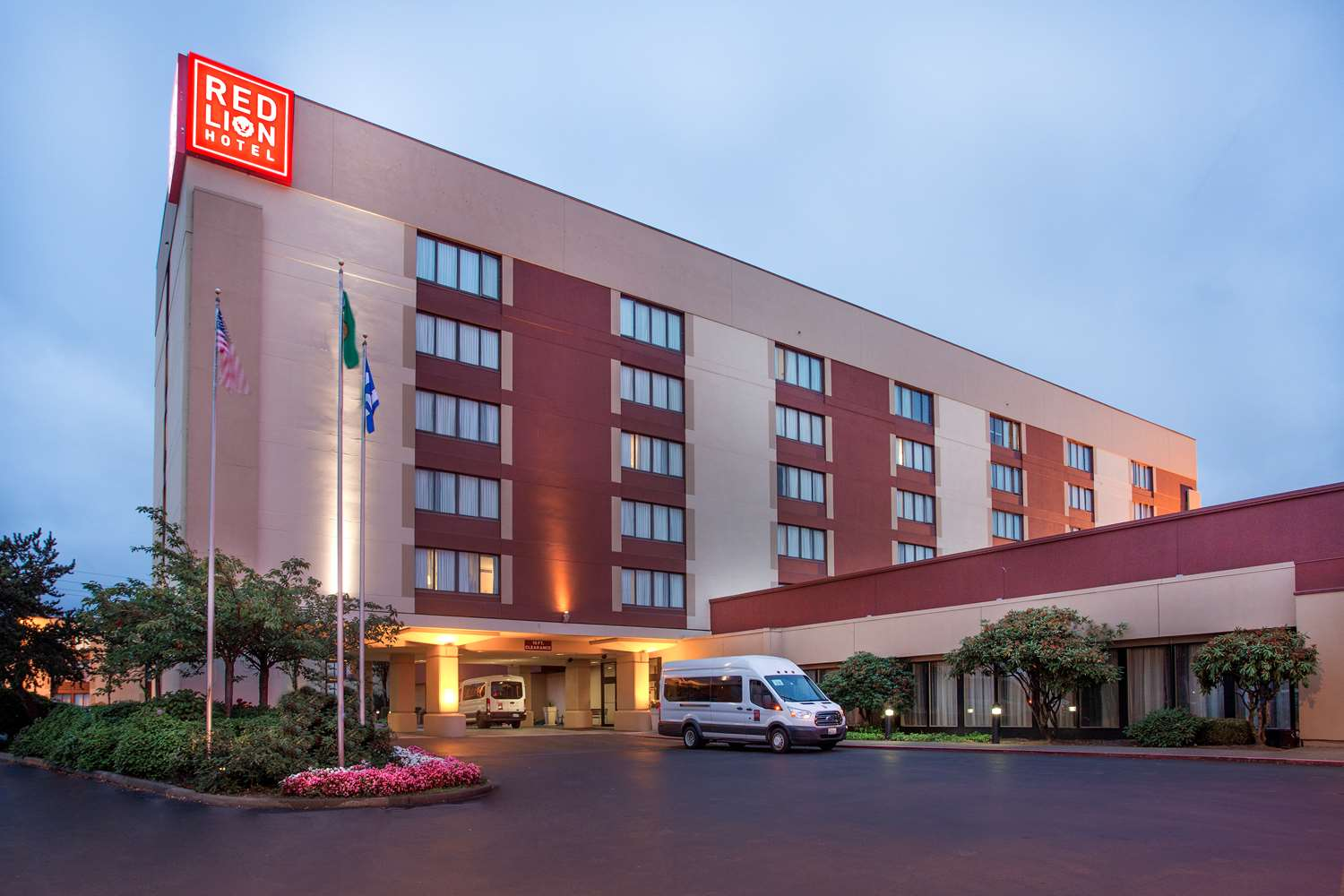 Exterior view - Red Lion Hotel Renton
