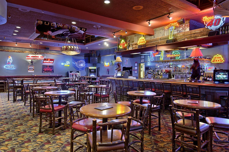 Bar - Red Lion Hotel Wenatchee