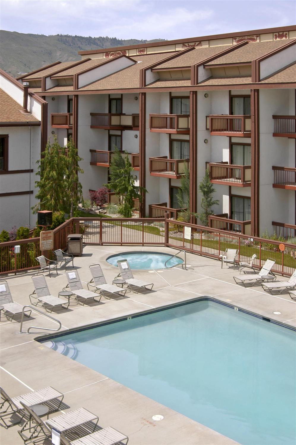 Pool - Red Lion Hotel Wenatchee