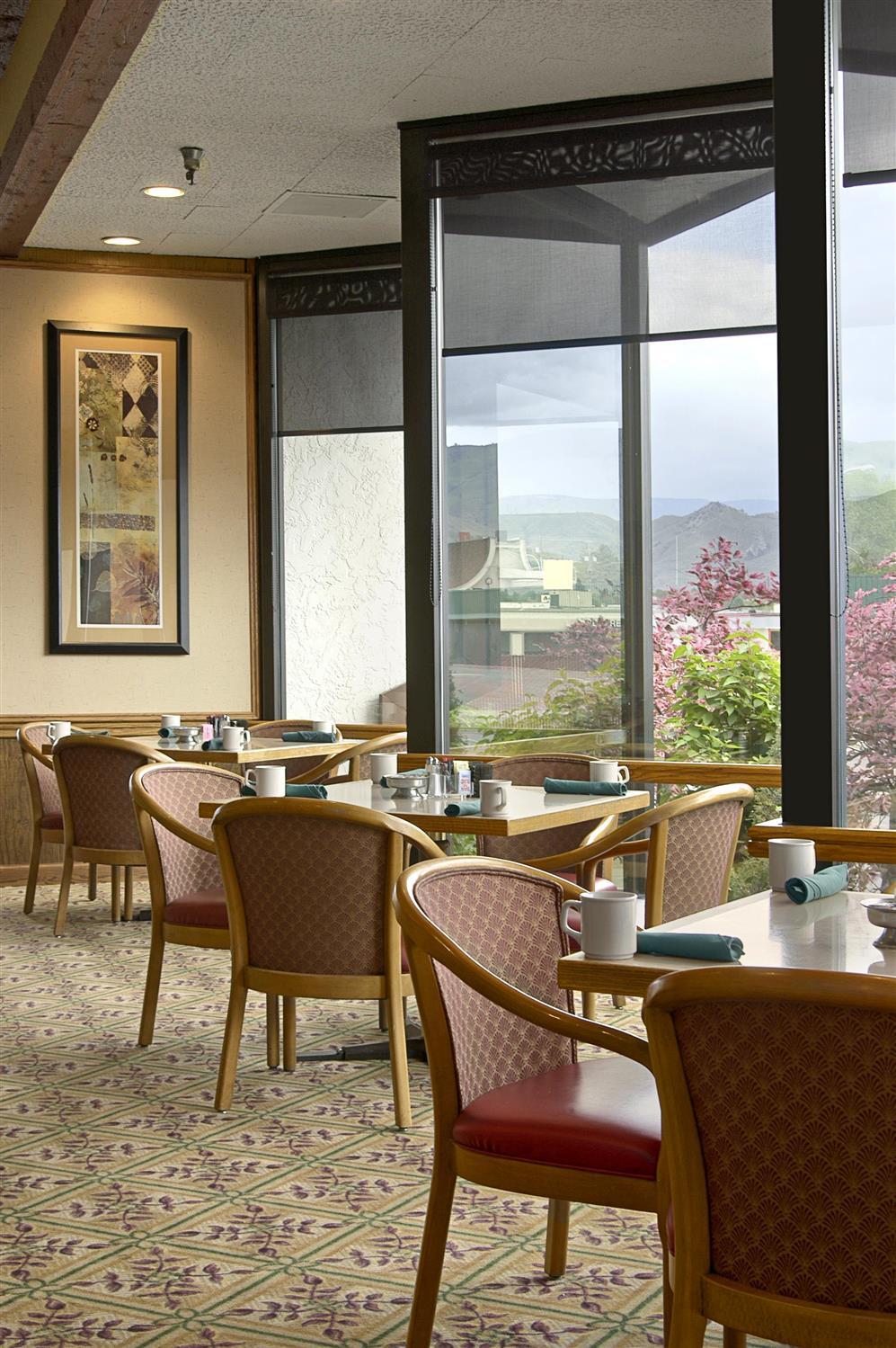 Restaurant - Red Lion Hotel Wenatchee