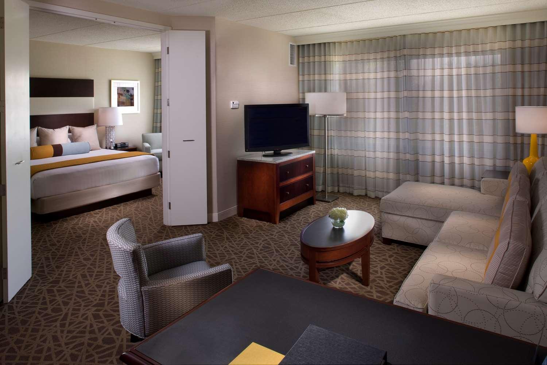 Suite - Hyatt Regency Suites Marietta