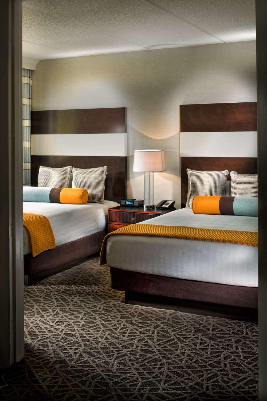 Room - Hyatt Regency Suites Marietta