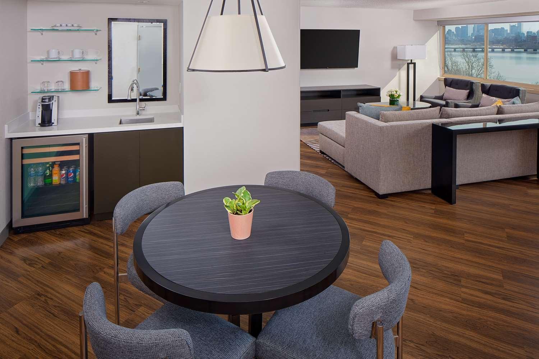 Suite - Hyatt Regency Hotel Cambridge