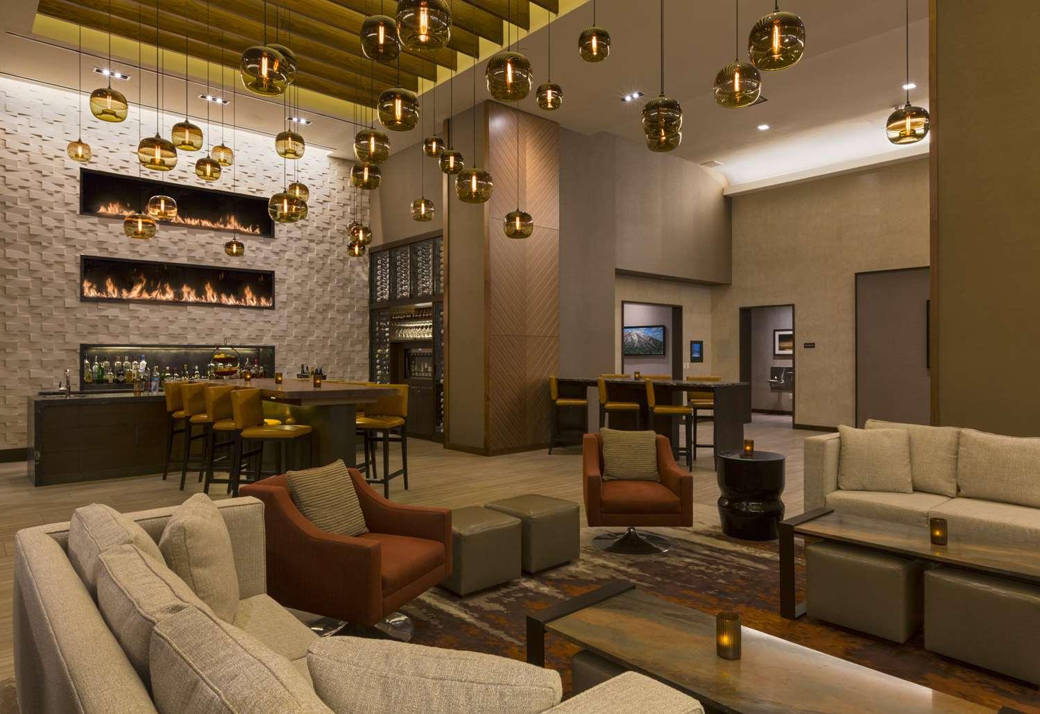 Bar - Grand Hyatt Hotel Denver