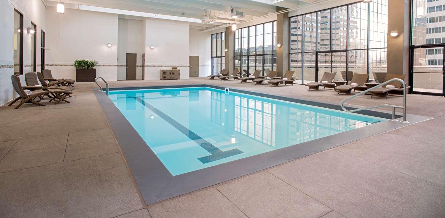 Pool - Grand Hyatt Hotel Denver