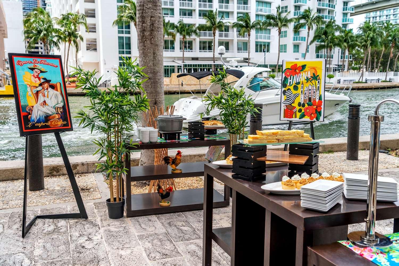 Exterior view - Hyatt Regency Hotel Miami