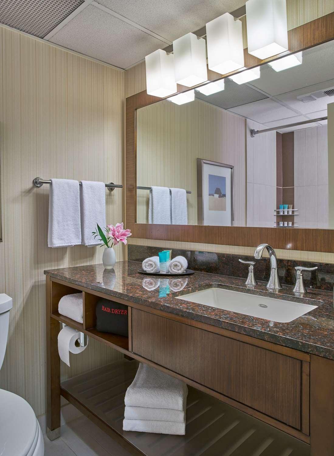 Room - Hyatt Regency Hotel Milwaukee