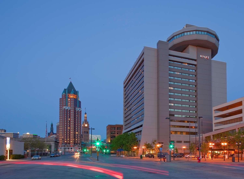 Exterior view - Hyatt Regency Hotel Milwaukee