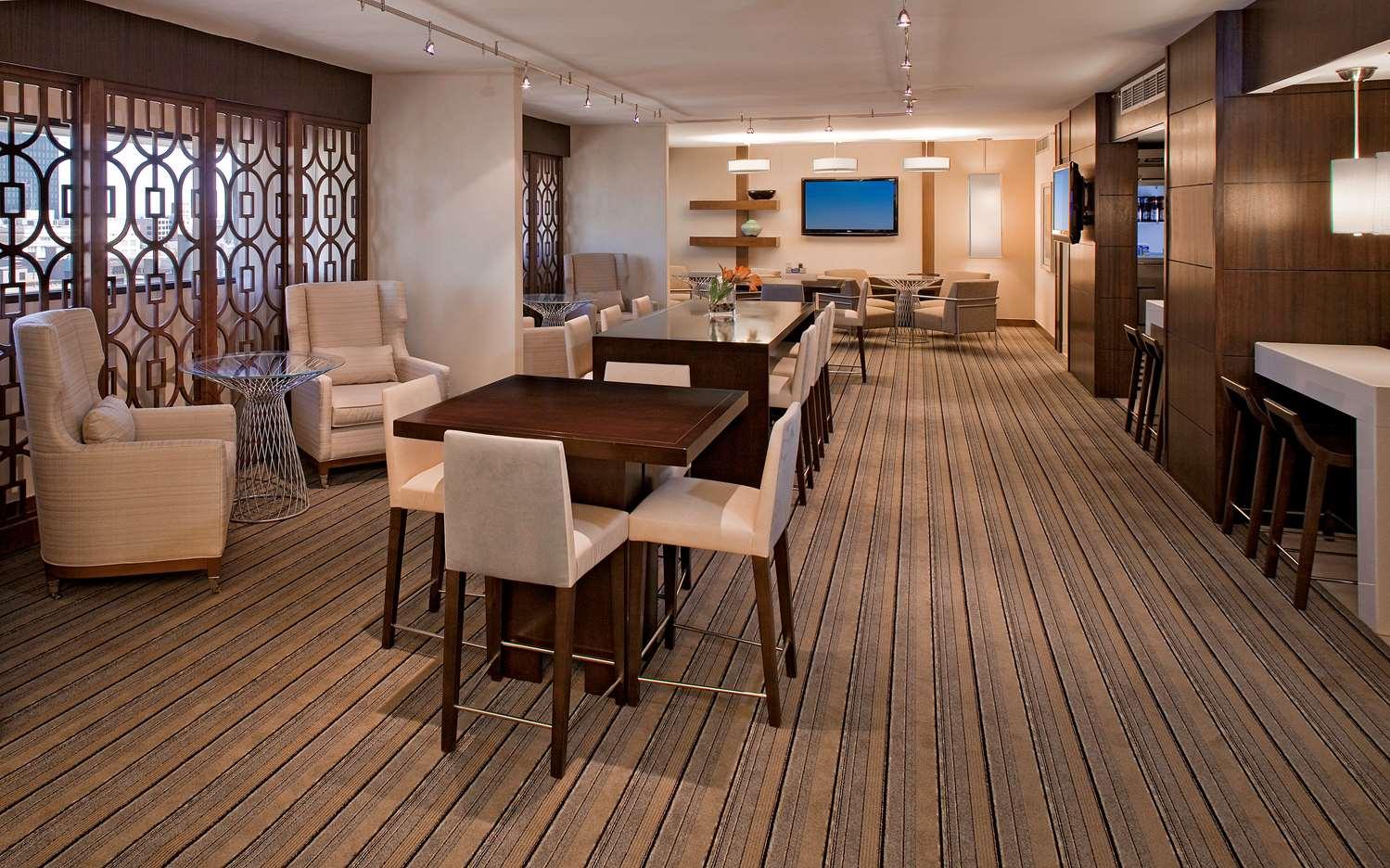 Bar - Hyatt Regency Hotel Milwaukee