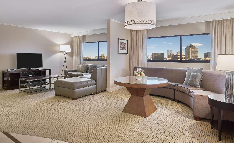 Suite - Hyatt Regency Hotel Milwaukee